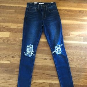Levi's 721 High Rise Skinny size 28 BRAND NEW!